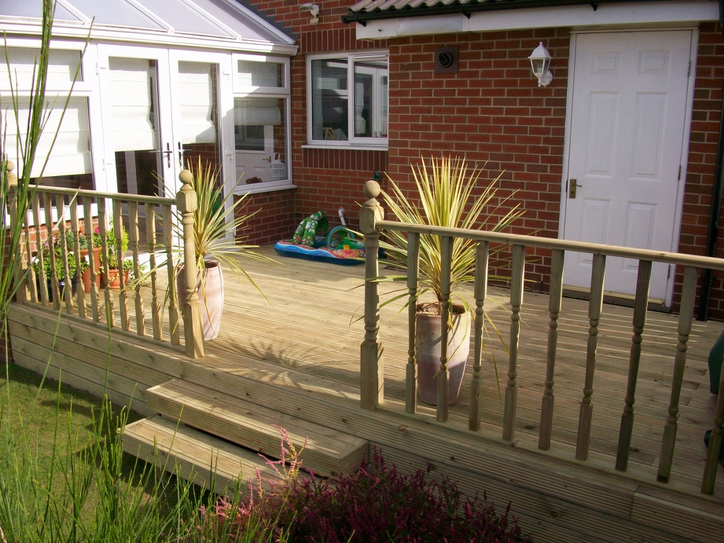decking spindles bentinck fencing