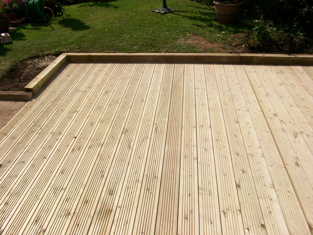 Decking board 6 for 6 metre lengths of decking